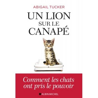 Un lion sur le canapé - Abigail Tucker, Marguerite Capelle